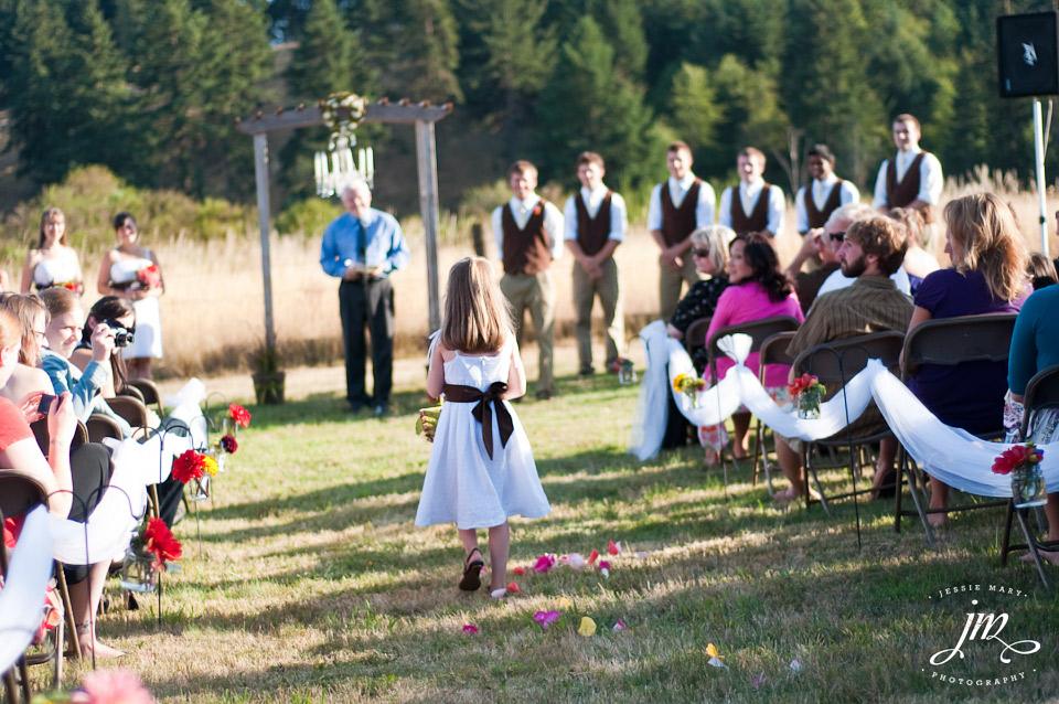 Outdoor Wedding In Oregon 16