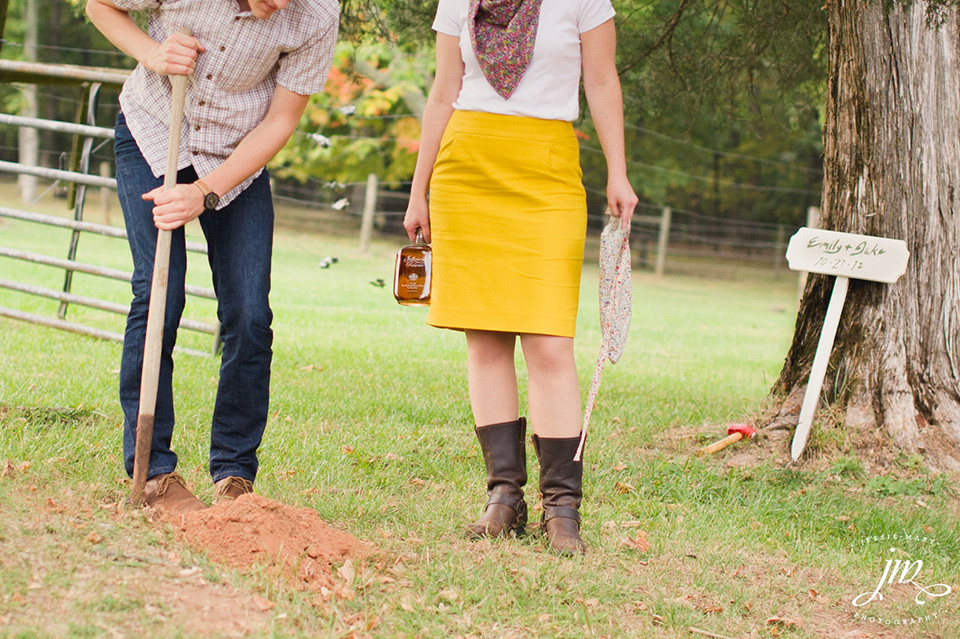 Burying the Bourbon at Murray Hill Wedding Venue by Leesburg Wedding Photographer, Jessie Mary (1)