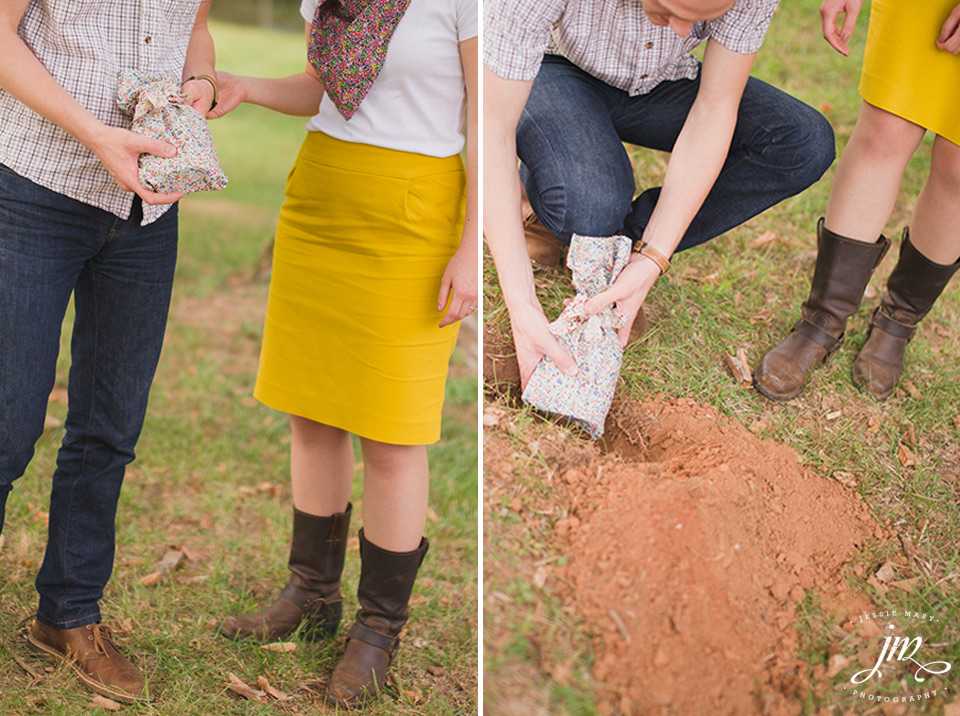 Burying the Bourbon at Murray Hill Wedding Venue by Leesburg Wedding Photographer, Jessie Mary (5)