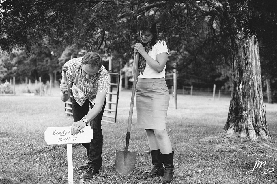 Burying the Bourbon at Murray Hill Wedding Venue by Leesburg Wedding Photographer, Jessie Mary (9)